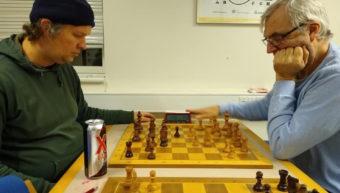 Chesshouse parat med støtteindsamling
